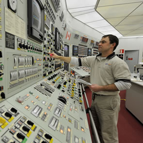 how to become a nuclear operator in ontario
