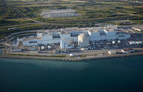 Photographie aérienne de la centrale nucléaire de Darlington